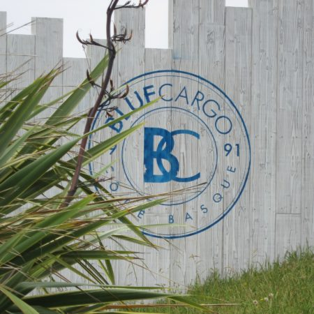 LEEM WONEN Beach Club Blue Cargo logo