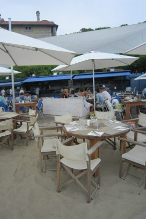 LEEM WONEN Beach Club Blue Cargo terrace