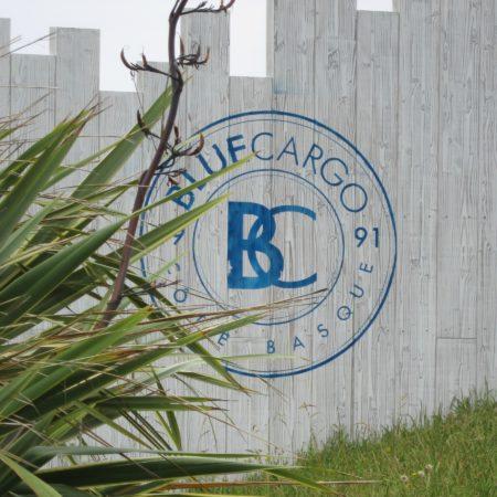 LEEM WONEN Beach Club Blue Cargo logo