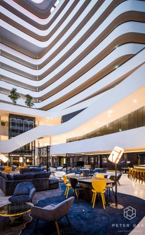 Hilton Hotel Schiphol 5 by Peter Baas