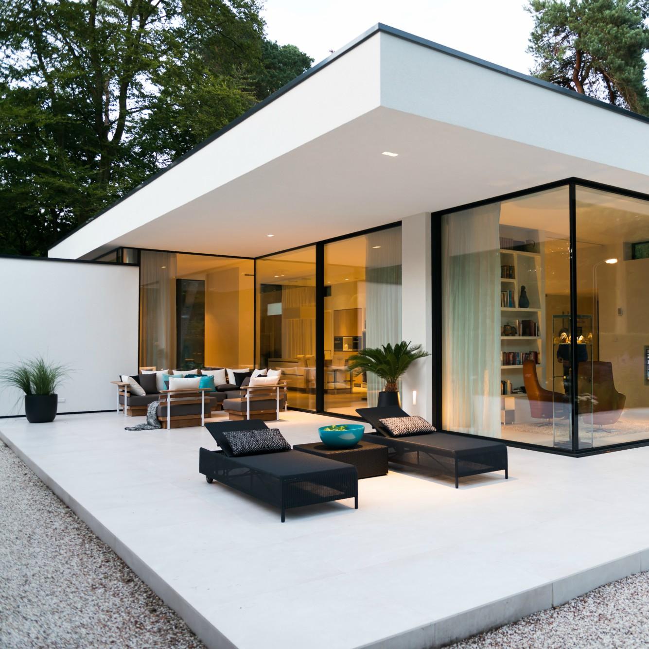 Modern Residential House Bungalow Exterior By Ar: INTERIEUR I BINNENKIJKEN I Moderne Bungalow In Ermelo