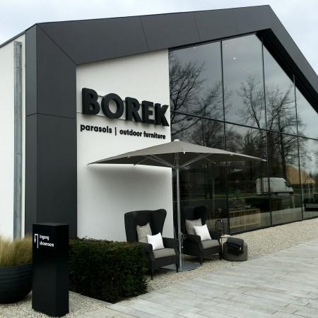 LEEM Wonen buiten genieten Borek showroom entree