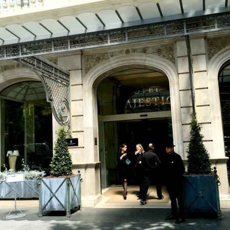 LEEM Wonen Barcelona Hotel Majestic entrance