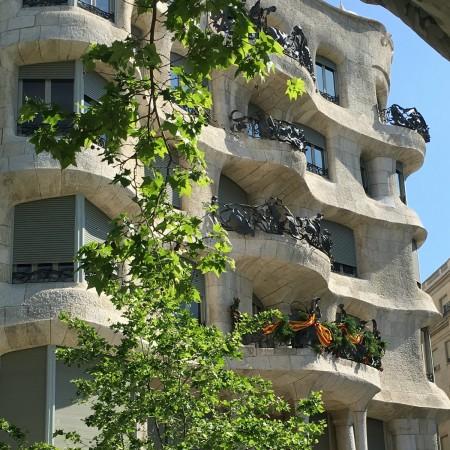 LEEM Wonen Barcelona kust Gaudi Casa Mila