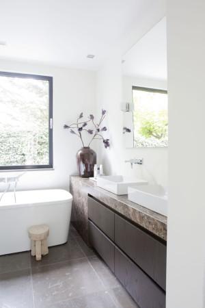 LEEM Wonen moderne villa Remy Meijers badkamer