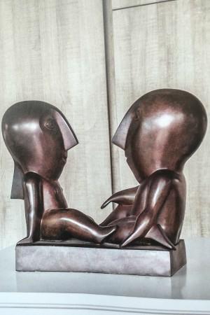 LEEM Wonen beeldhouwwerk Odile Kinart bronze