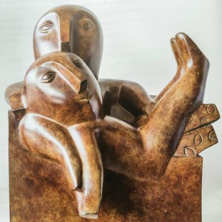 LEEM Wonen beeldhouwwerk Odile Kinart love