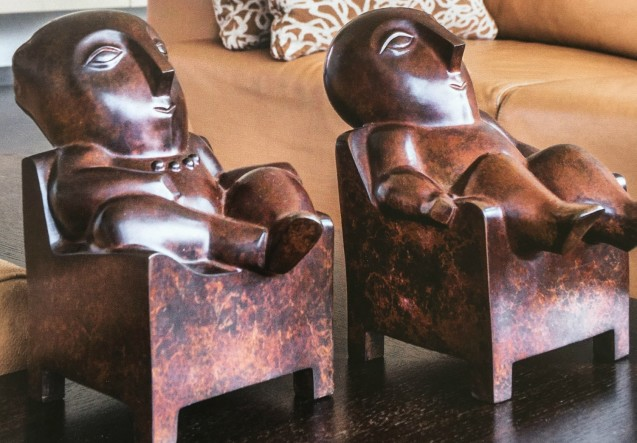 LEEM Wonen beeldhouwwerk Odile Kinart relax