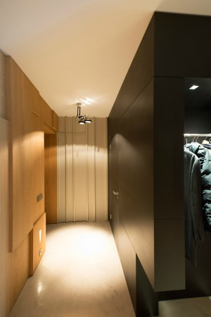 LEEM Wonen loft Amsterdam garderobe gang