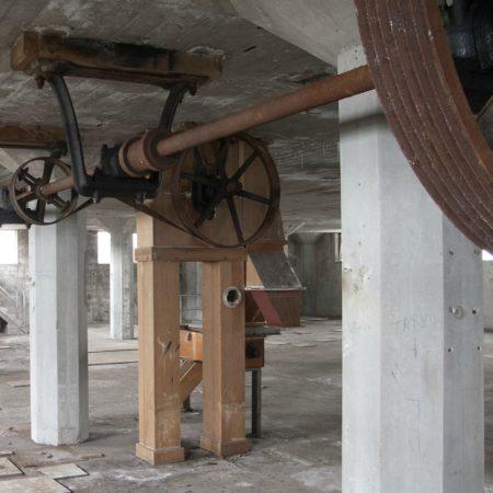 LEEM WONEN De Meelfabriek Leiden oud gereedschap