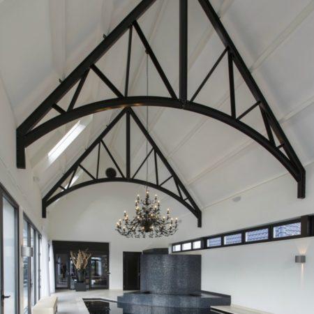 LEEM WONEN spa zwart wit Versteegh Design dakconstructie