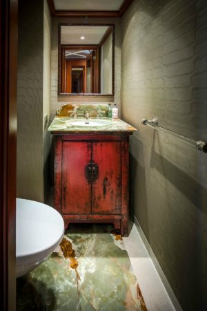 LEEM WONEN Versteegh Design Jacht bathroom