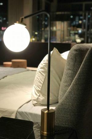 LEEM WONEN Noort Interieur Minotti event night lamp
