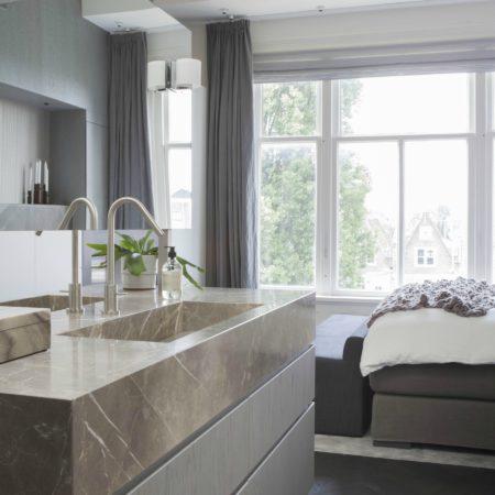 LEEM WONEN Remy Meijers Penthouse aan de Gracht master bedroom