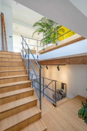 LEEM WONEN lofts Amsterdam stairs