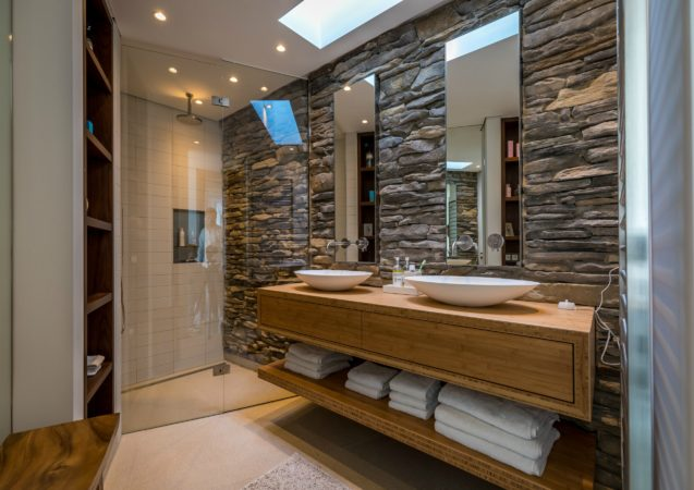 LEEM WONEN Beach House Zandvoort bathroom