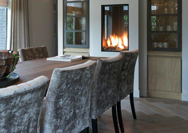 LEEM WONEN Versteegh-Design rietgedekte villa Zeeland eetkamer