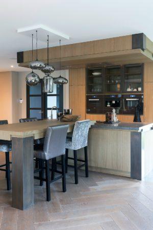 LEEM WONEN Versteegh-Design rietgedekte villa Zeeland keuken