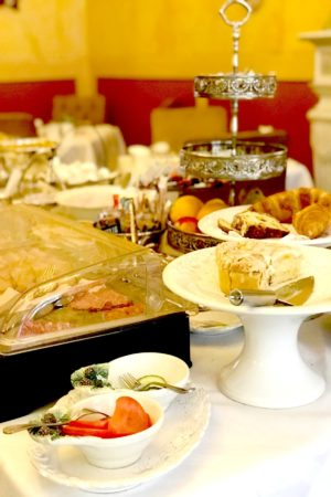 LEEM WONEN Maastricht Hotel Botticelli breakfast
