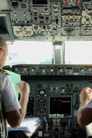 LEEM WONEN Valencia cockpit