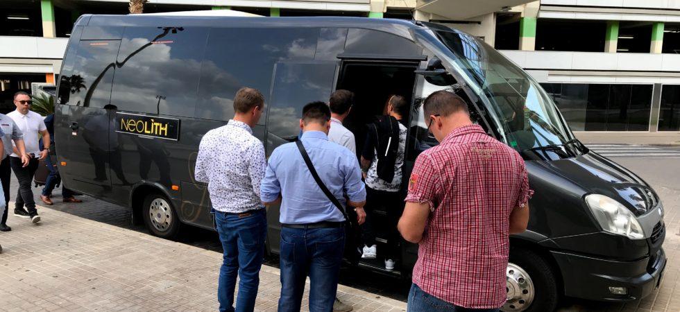 LEEM WONEN Valencia tour bus