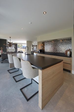 LEEM WONEN Villa Westland kitchen table