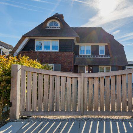 LEEM WONEN villa Nieuw Lekkerland hekwerk