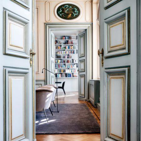 LEEM WONEN Pillows Grand Hotel Reylof Library