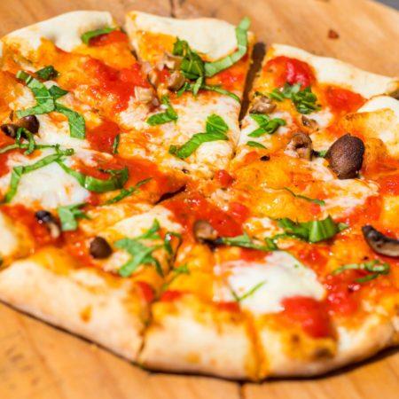 LEEM WONEN Italië Evenement Kasteel De Haar pizza