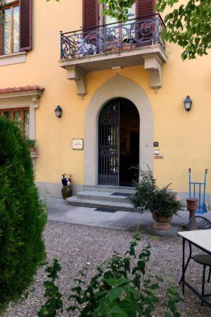 LEEM WONEN Toscane Villa Saulina entrance