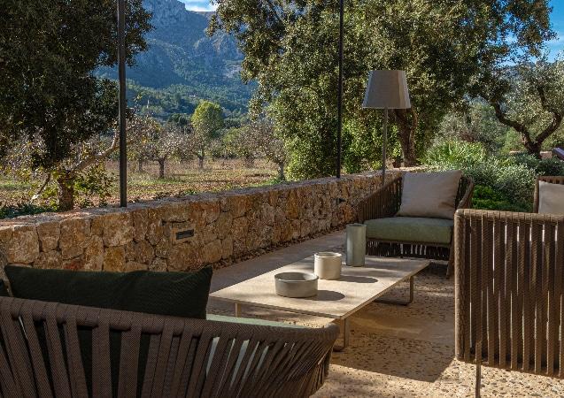 LEEM WONEN Kettal Villa Malloca Vieques seating