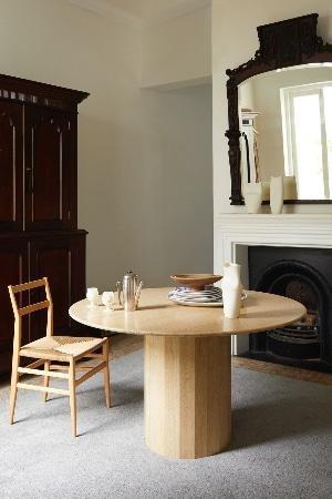 LEEM WONEN Lemon Ashby bedroom table